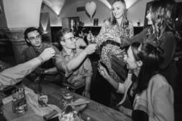 Party bei Hochzeit im Nothaft Gewölbe.