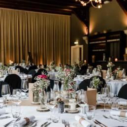 Das Mannschaftscasino in Straubing ist eine elegante Hochzeitslocation für die Hochzeit vom Brautpaar fotografiert von Veronika Anna Fotografie