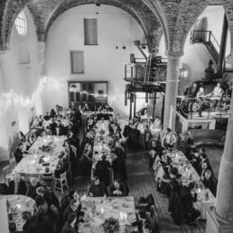 Schwarz-weiß Bild vom Sudhaus in Schwarzach Hochzeitslocation fotografiert von Veronika Anna Fotografie