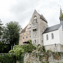 Schloss Egg ist im bayerischen Wald eine schöne Hochzeitslocation zum heiraten fotografiert von Veronika Anna Fleischmann