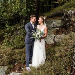 Hochzeitspaar im bayerischen Wald.