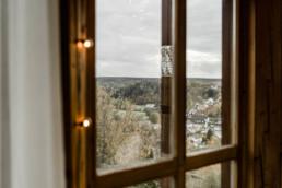 Natürliche Hochzeitslocation im bayerischen Wald aufgenommen von Veronika Anna Fotografie