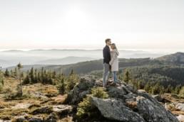 Paarshooting am großen Arber im bayerischen Wald mit Veronika Anna Fotografie